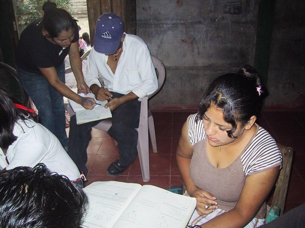 Alfabetización y educación básica en adultos en Nicaragua