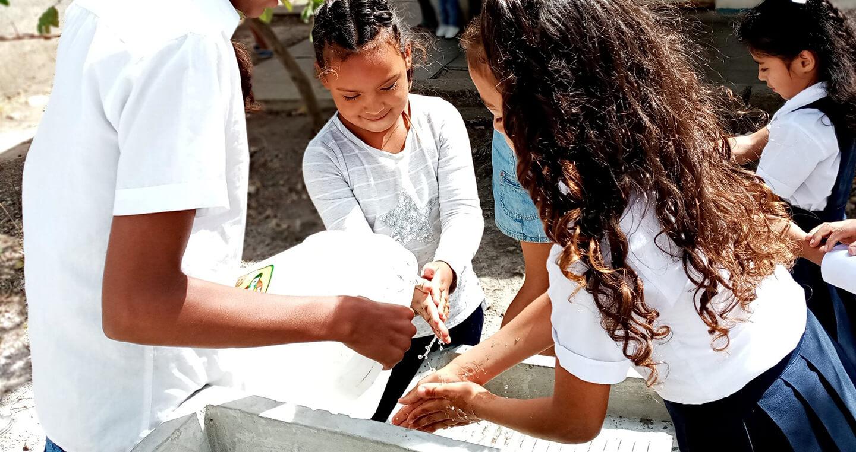 Colabora con Fundación Familias Unidas
