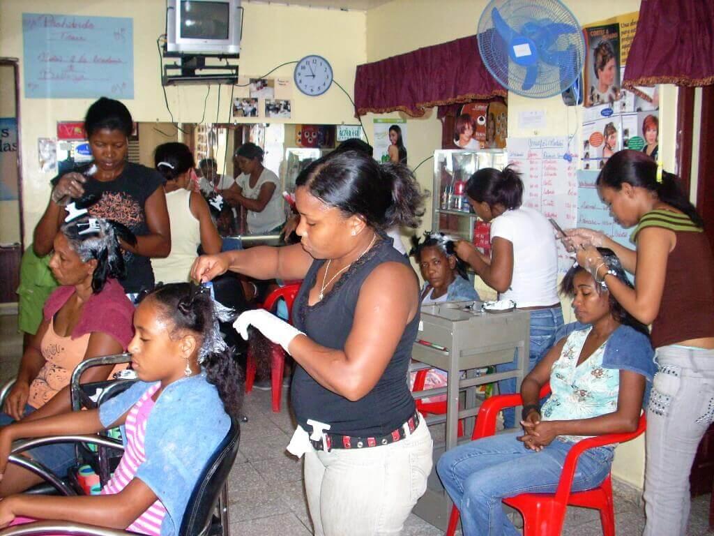 Escuela de belleza en República Dominicana