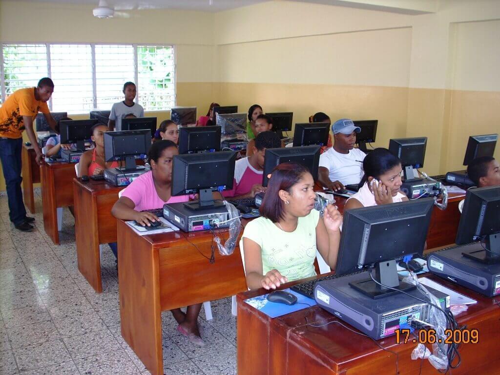 Escuela de informática en República Dominicana